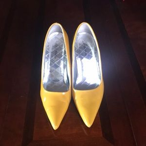"Delicious Yellow Patent Silver heel  4"" pump"
